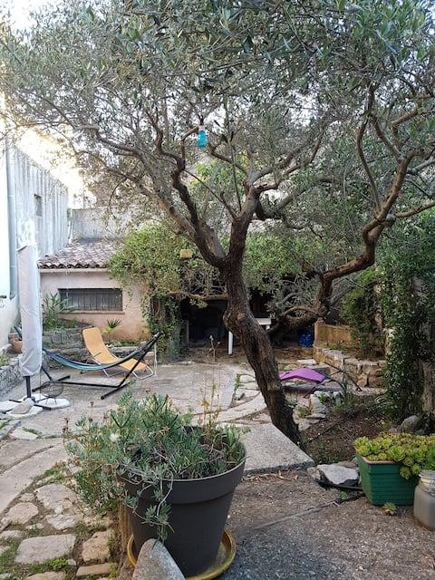 Appartement avec jardin en  Provence verte