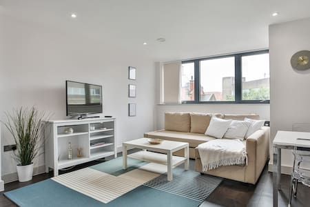 2 Bedroom Self-Contained Flat - 3 beds, 2 baths