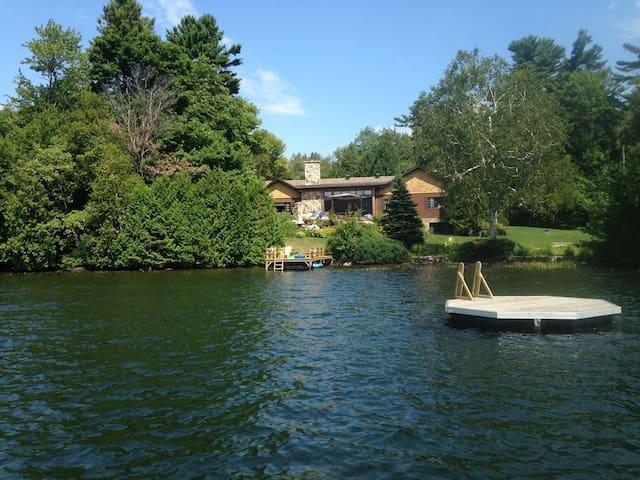Lakeside Paradise - Gore - House