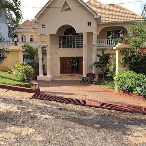 The Mansion Of Mandeville - Mandeville - Casa de hóspedes