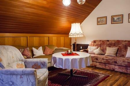 72 qm Dachgeschosswohnung mit Balkon - Lemgo - Condomínio