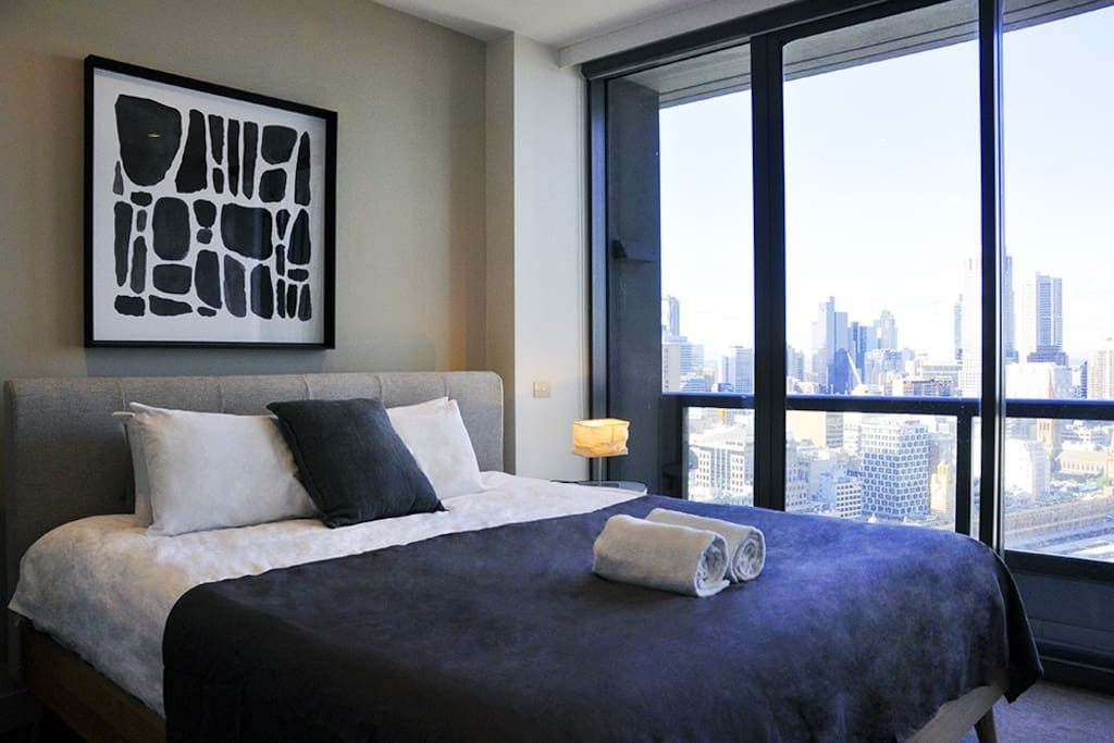 Master bed room with the perfect view from Southbank overlooking the city.