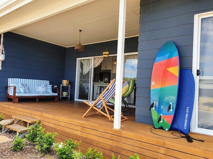 The Sands Normanville | Beach House | Sleeps 8