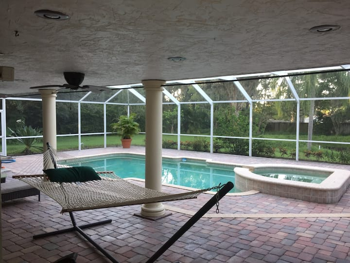 Hot Tub-Pool; Tranquil  upstairs suite w/pvt entry