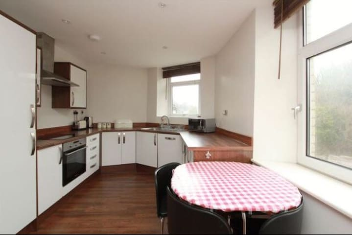Lovely self contained apartment in Penarth