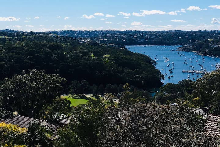 Bright room with beautiful view near north Sydney