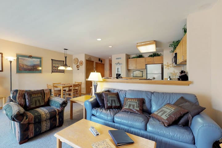 Spacious ground-level condo with ski views, shared pool and hot tub