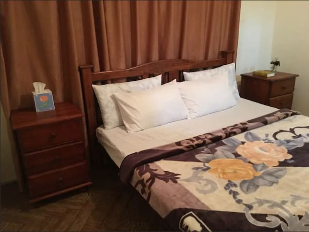 2:king bed with FREE Breakfast_FastWifi