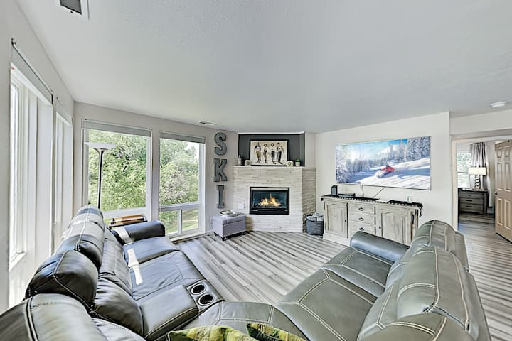 Luxe Bridgewater Terrace Condo with River Views