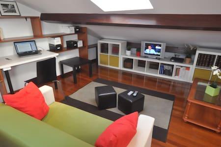 Cozy under-roof, Long-term prices - Santiago de Compostela