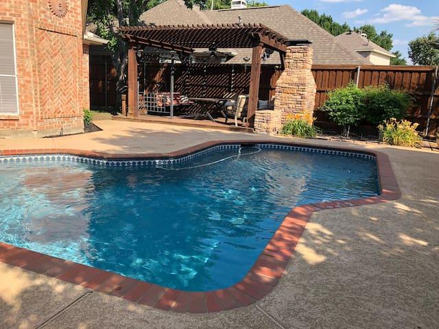 House w/ Pool/Hot Tub near DFW Airport
