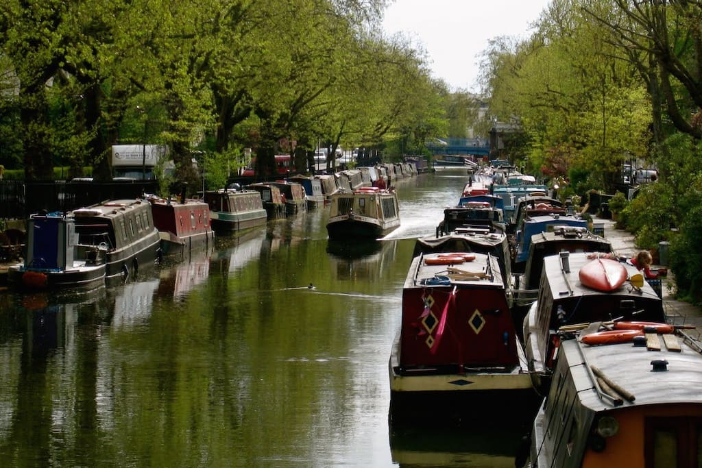 Walk along the canal to hackney Wick
