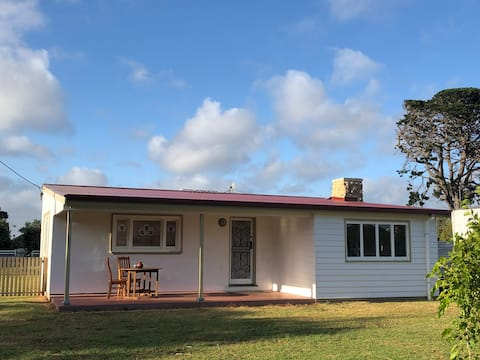 Allendale East Cottage - Quiet country location
