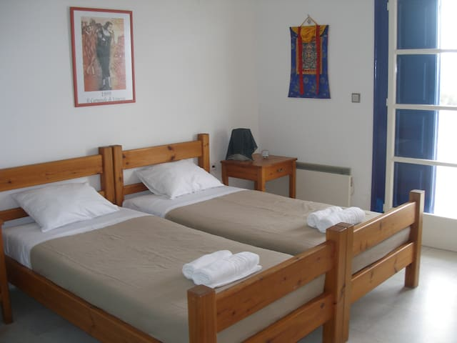 2nd twin bed room