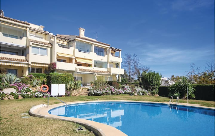Holiday apartment with 2 bedrooms on 78m² in Marbella-Las Chapas