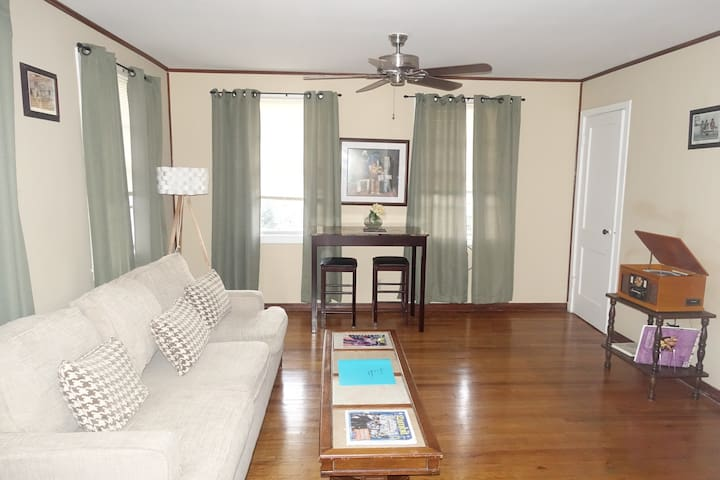 **Safe/WIFI/near Lakefront(UNO)/FQ/Jazzfest** - New Orleans - House