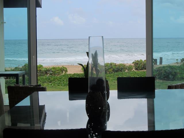 Spectacular Beachfront Villa - El Limón - Tatil evi