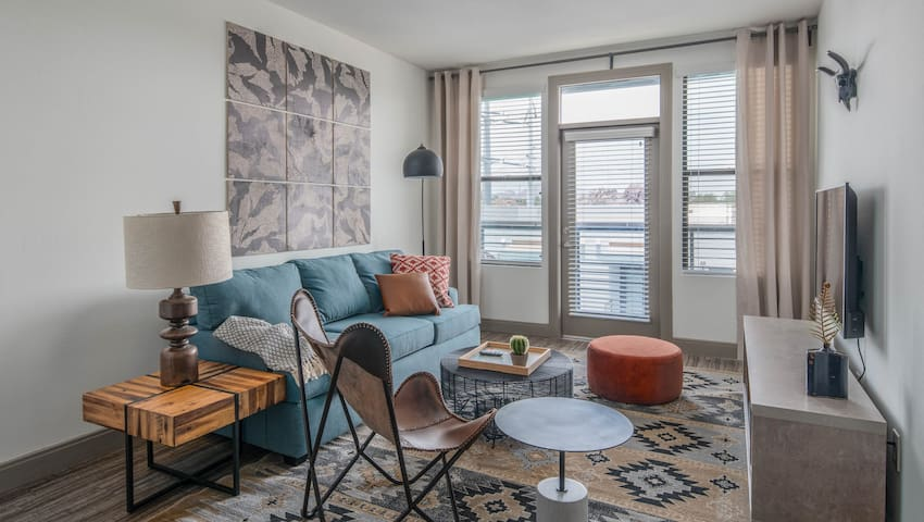 Modern 1BR on Tempe Town Lake #4016 by WanderJaunt