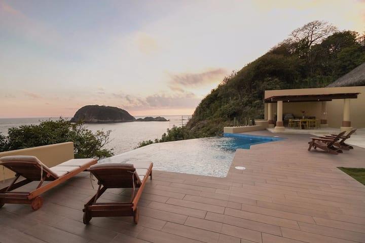 Oceanfront New Luxury Villa