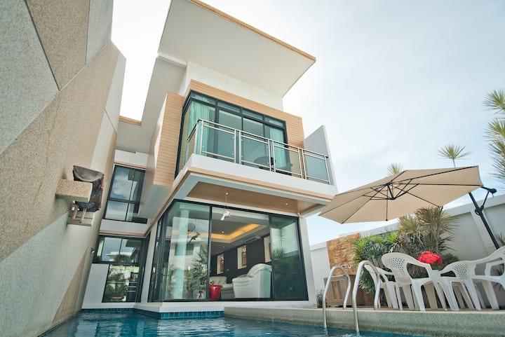 Private Pool 3 Bedroom Villa T7