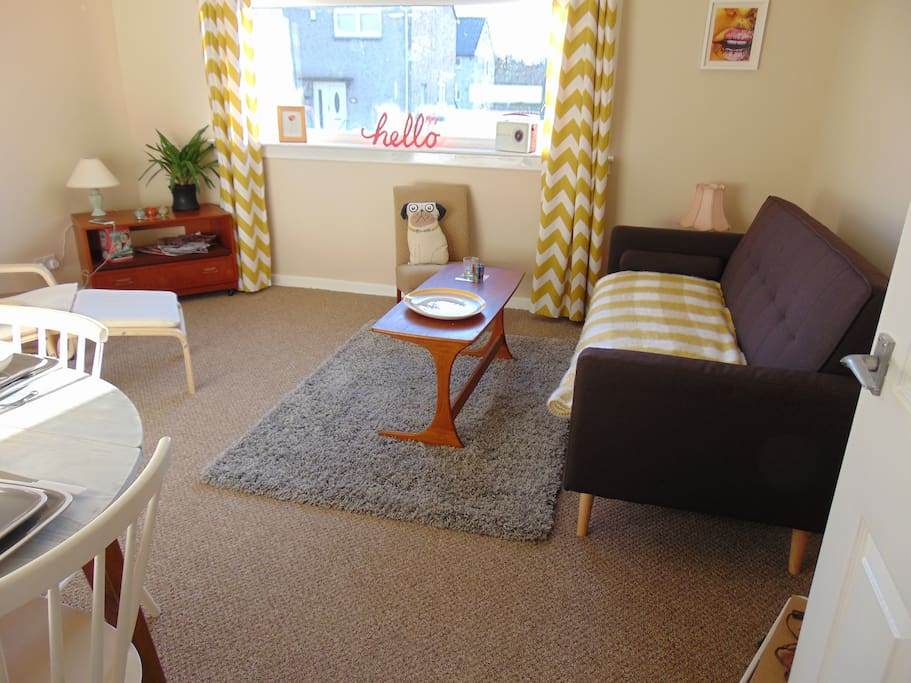 Cosy ayrshire flat for 4 people apartments for rent in for Living room kilmarnock
