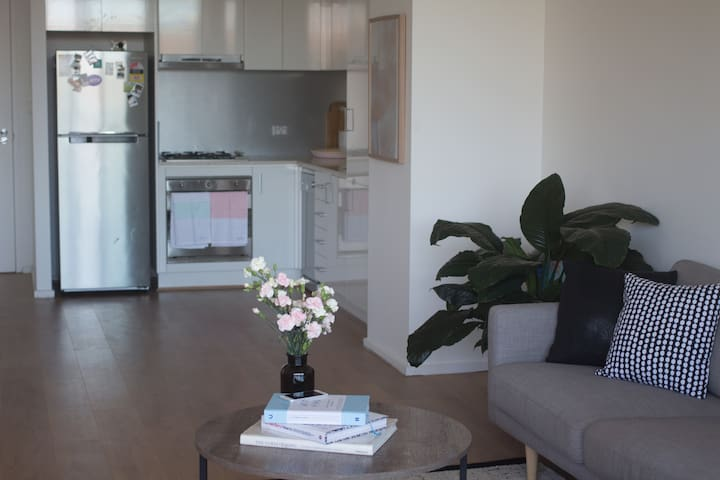 Large 1 bedroom apartment in central location - Paddington - Apartemen