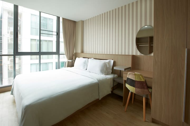 QubeSuites4: 2BR,60sqm,200m to BTS - Bangkok - Apartment