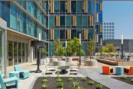 Modern Apartment in the Heart of SF! - サンフランシスコ - アパート