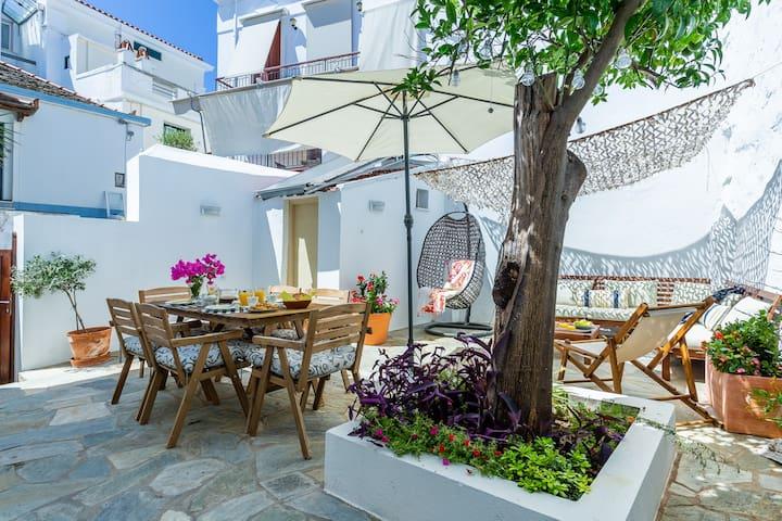Evelin's Villa in Skopelos Town for 9