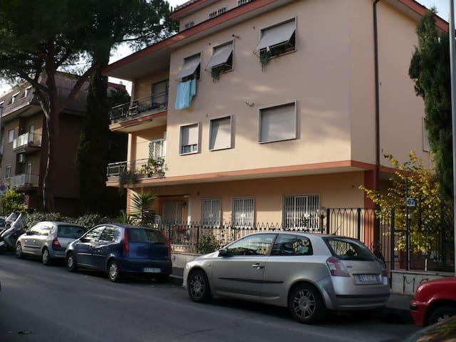 Roma, indipendent apartment monoloc - Řím - Dům