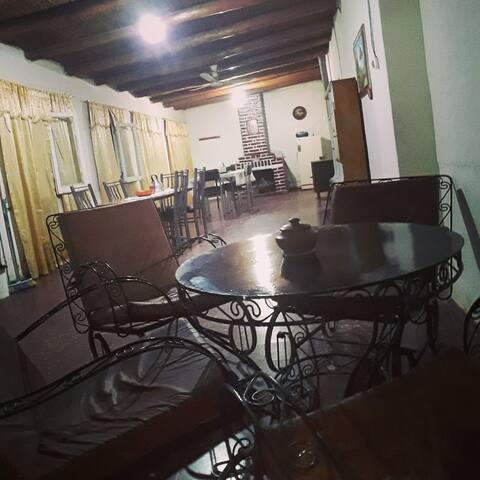 Habitación triple individual en Hostel Estrella