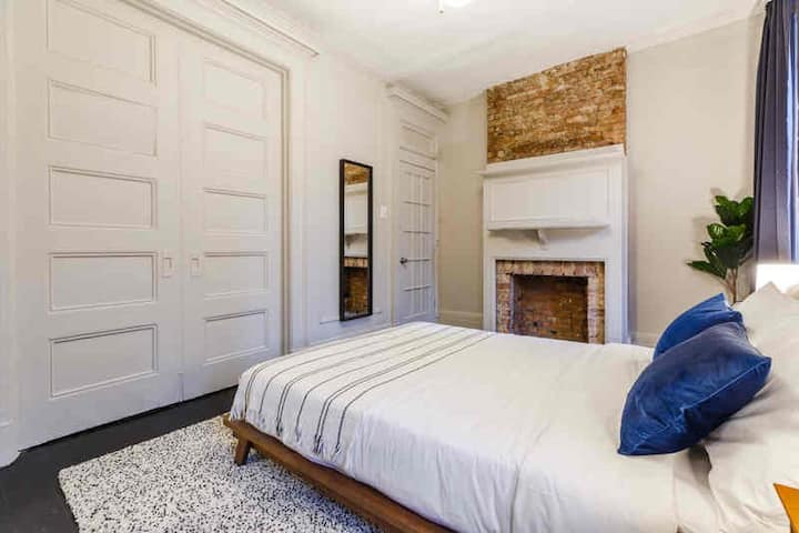 Fully-Furnished Bed in Prime Chelsea Home