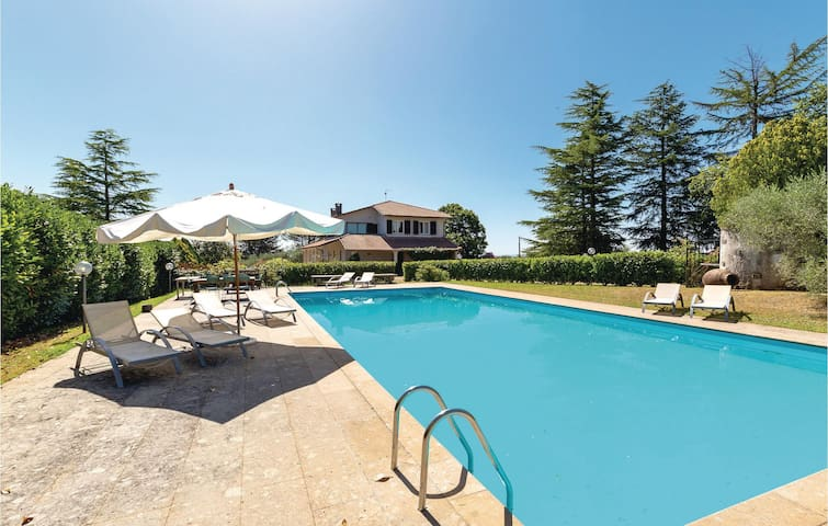 Holiday cottage with 5 bedrooms on 400 m² in Corchiano -VT-