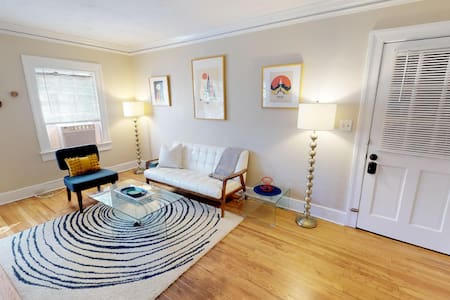 Chic, Light, & Walkable in Charming Cloverdale