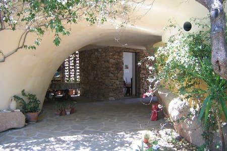 """Mizar"" Apartment in Villa Malcusa - San Pantaleo - San Pantaleo - Villa"
