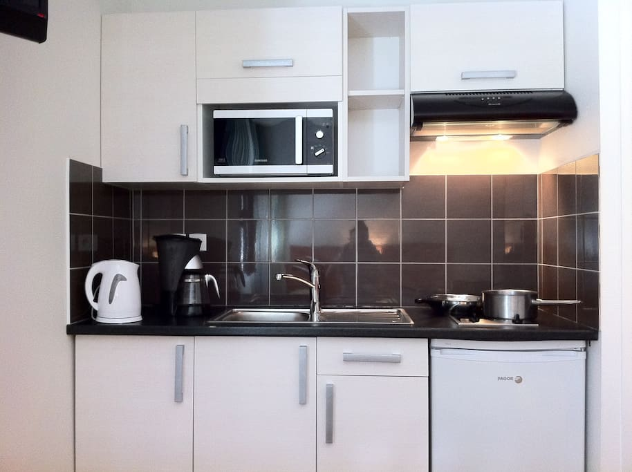Studio 1 4 familial 4 personnes cuisine quip e - Cuisine equipee studio ...