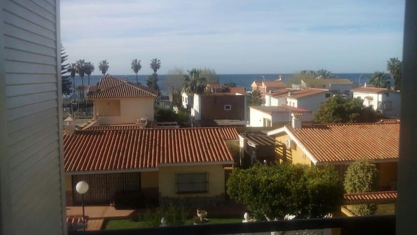 Piso recién Reformado a 4 min de la playa! - Torre de Benagalbón - Huoneisto