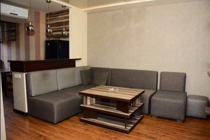 NEW LUXURY ABOVYAN STREET APARTMENT CITY CENTRE!