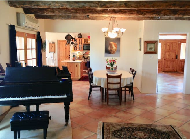 Elegant Private Santa Fe Home With Piano.