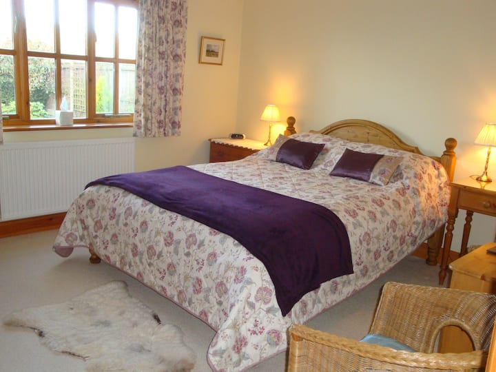 Welcoming B&B, Peaceful Location close to Holt