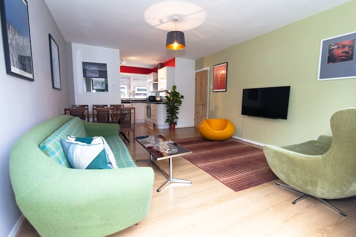 Stylish Open Plan Ground Floor Flat Great Location