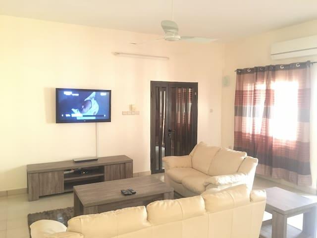superbe appartement au centre ville - Cotonou - Apartamento