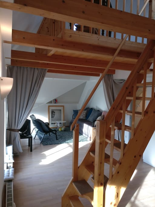 Offener Wohnraum mit Galerie