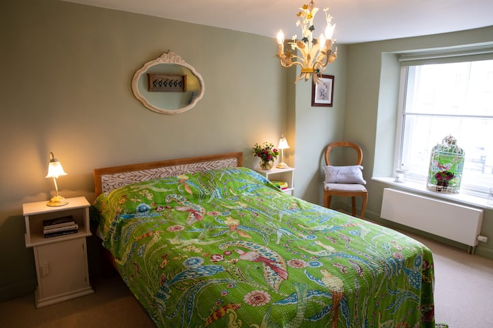 Luxurious Eco Bedroom with double bed & en-suite