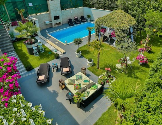*GREEN DREAM*villa in SPLIT-weekly discount 2020.!