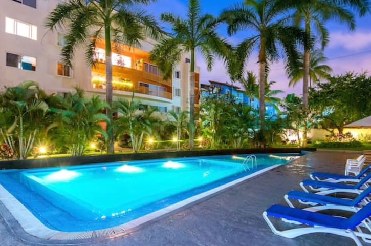 MODERN CONDO | STEPS TO BEACH | CLOSE TO MALECON