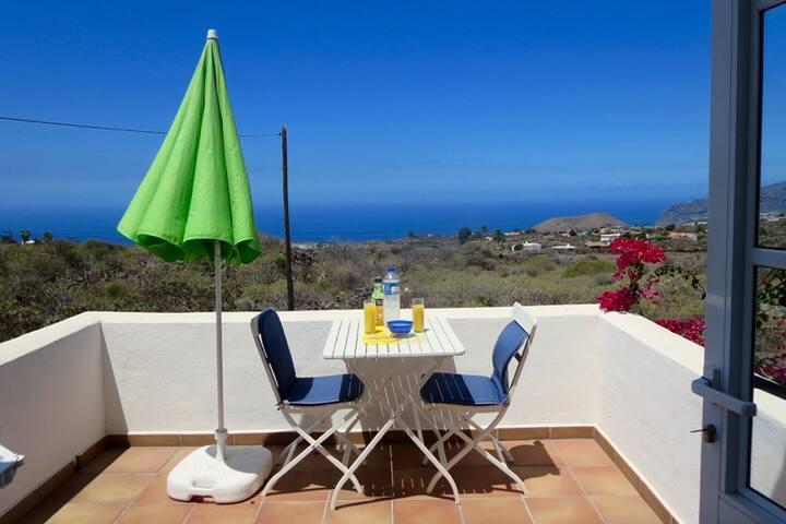 Ocean view apartment Los Campitos, Casa Flora