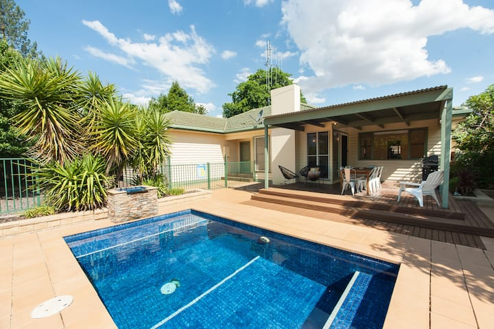 Murray House - Echuca Holiday Homes