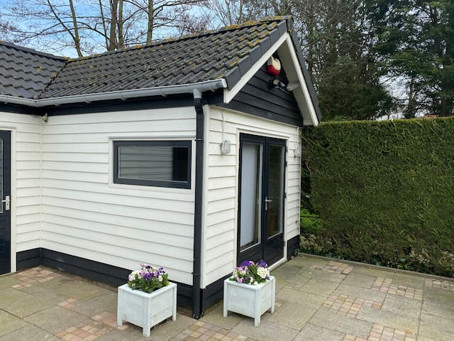 Garden house near Amsterdam and Haarlem with bikes