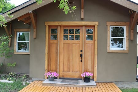 Relaxing Craftsman Bungalow Gateway to Yellowstone